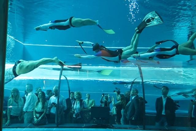 Y 40 39 la piscina termale pi profonda al mondo 39 for Piscina y 40 padova
